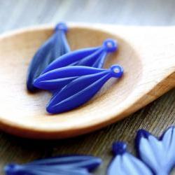 Vintage Blue Double Hanging Leaf Plastic Charms